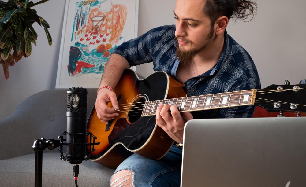 Axino home recording guitar